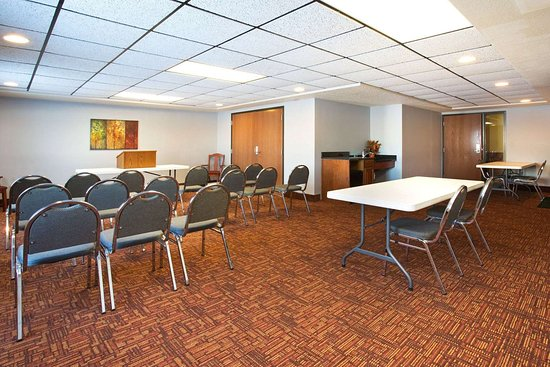 New London, WI: Meeting Room