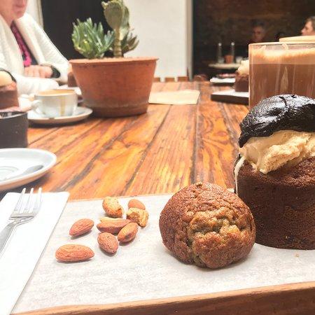 Honest Chocolate Cafe: photo0.jpg