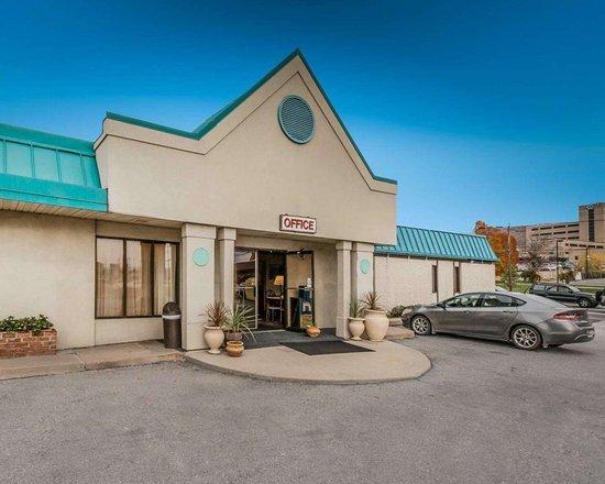 Econo Lodge Altoona Pennsylvania hotel