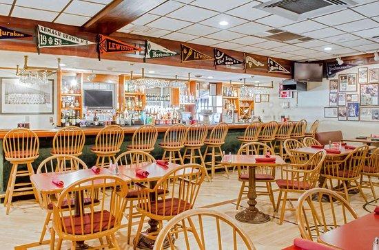 Burnham, PA: On-site restaurant