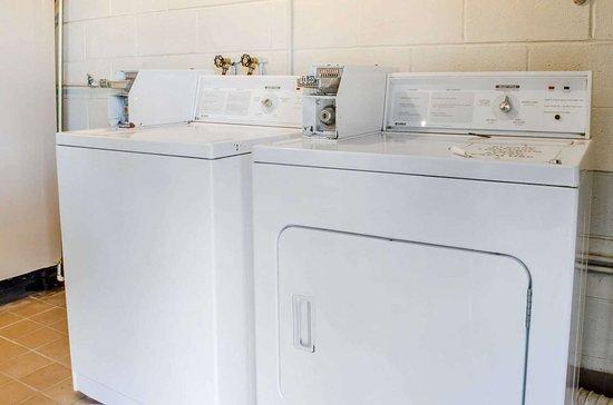Burnham, Πενσυλβάνια: Guest laundry facilities