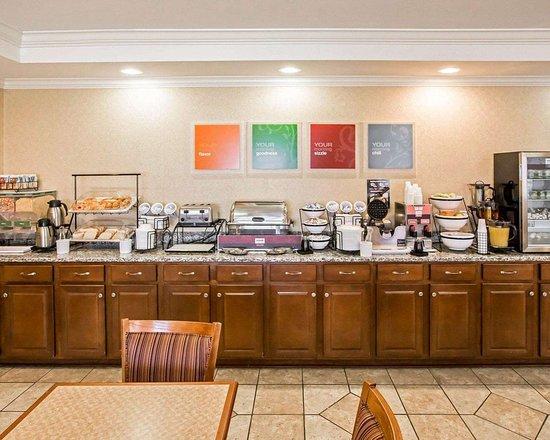Hebron, IN: Breakfast counter