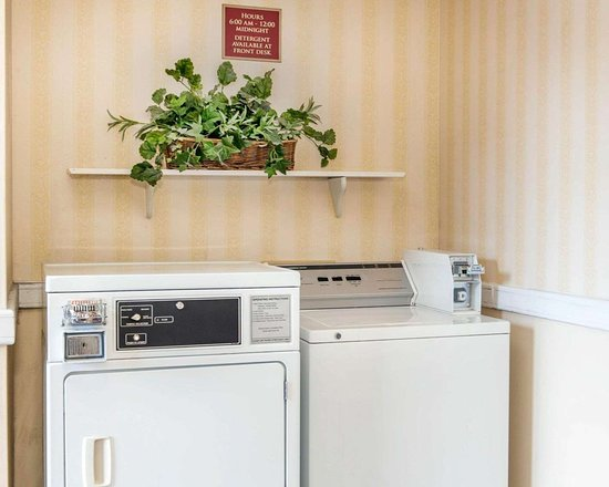 Rushville, IN: Guest laundry facilities