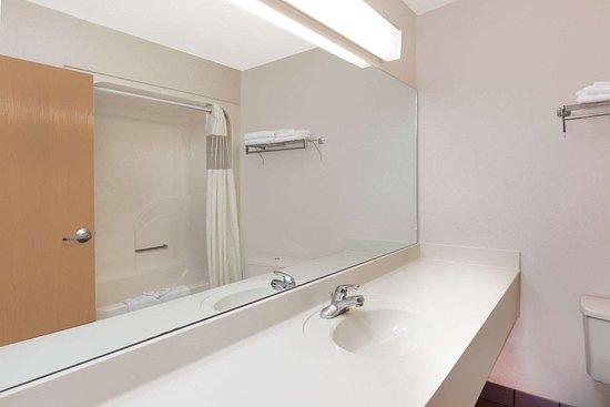 Marysville, ميتشجان: Guest room bath