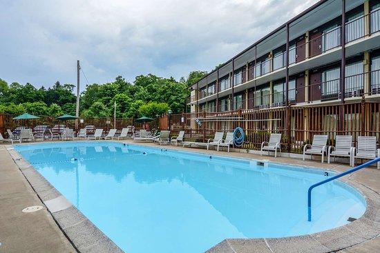 Front Royal, VA: Hotel pool