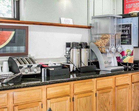 إيكونو لودج كلاركس سوميت: Breakfast area in the lobby