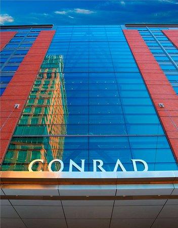 Conrad New York: Exterior