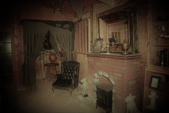 Panic in the Woods Escape Game: Escape Game The Haunted Mansion