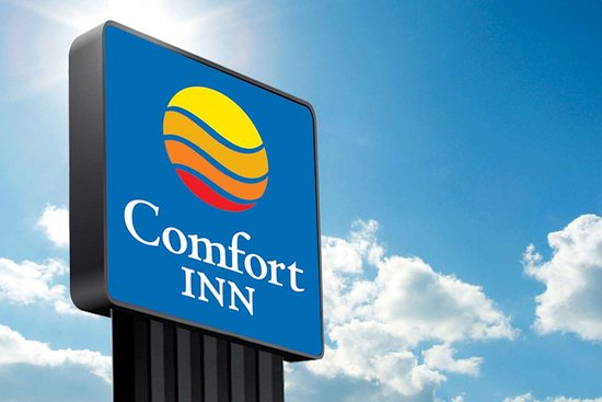 Independence, IA: Hotel exterior