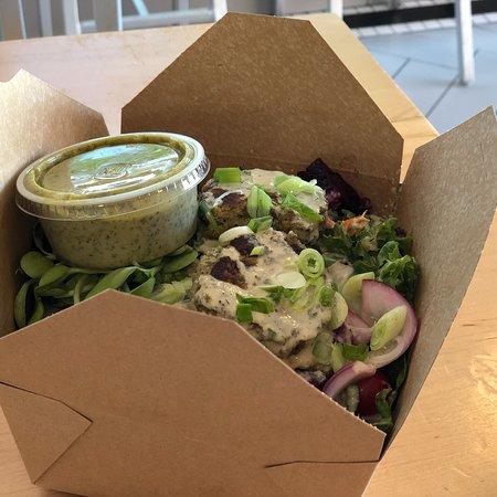 Live Organic Food Bar: Super Green Salad