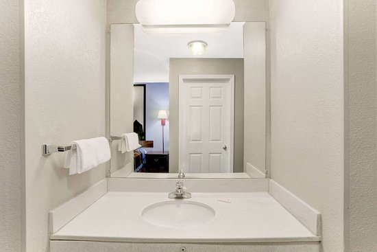 Booneville, Mississippi: Guest room bath