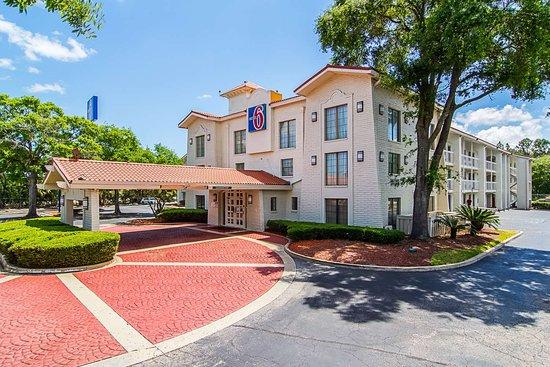 Motel 6 Jacksonville Hotel