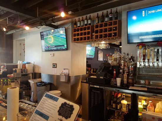 Perry Hall, MD: Bar Area