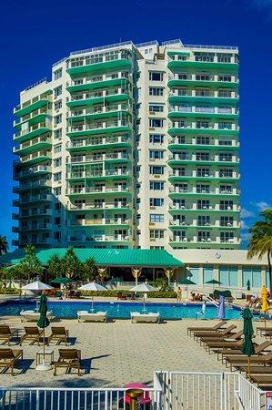 Sea View Hotel: Hotel Exterior