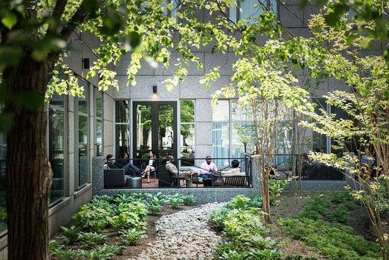 The Logan Philadelphia, Curio Collection by Hilton : Exterior