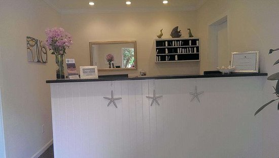 Amagansett, NY: WindWard Shores Front Desk