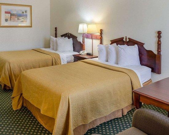 econo lodge inn suites updated 2018 prices hotel. Black Bedroom Furniture Sets. Home Design Ideas