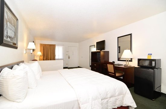 Needles, CA: Guest Room Standard King