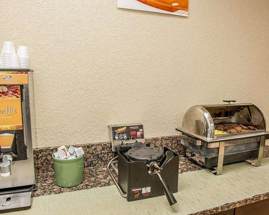Huntingburg, IN: Breakfast counter