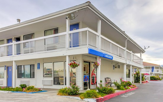Motel 6 Medford North