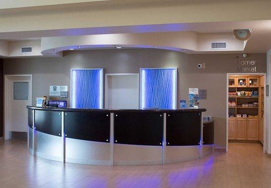 Hayward, Kaliforniya: Lobby