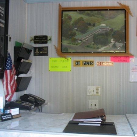 Imlay City, MI: Front Desk