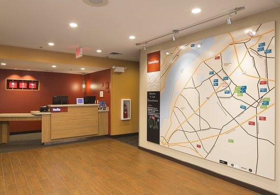 Swedesboro, NJ: Lobby