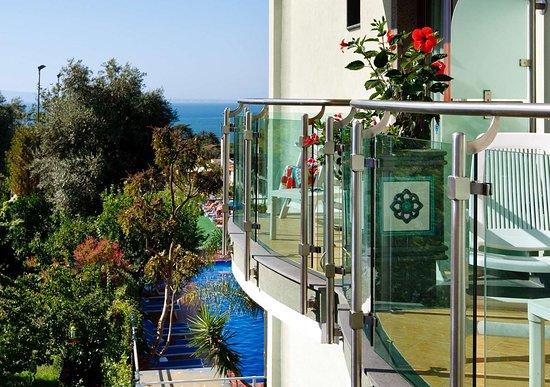 Comfort Hotel Gardenia Sorrento Coast: Hotel with beautiful views