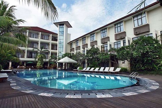 Best Western Resort Kuta: Hotel Building