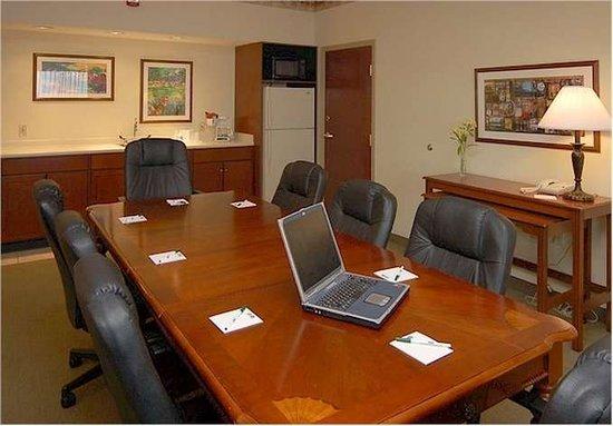 La Quinta Inn & Suites Louisville Airport & Expo: Meeting room