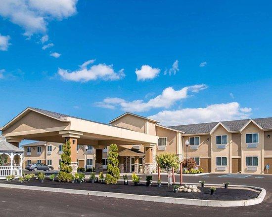 Comfort Inn Saugerties: Hotel entrance
