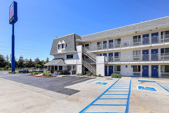motel 6 oakland airport updated 2018 prices reviews. Black Bedroom Furniture Sets. Home Design Ideas