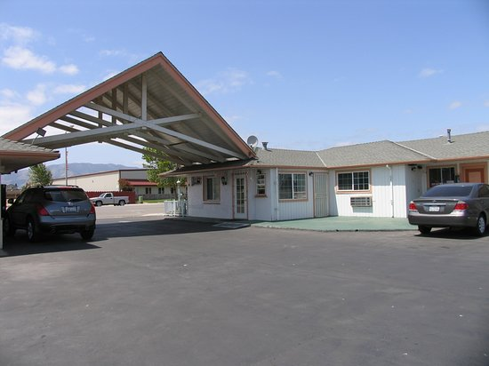 Greenfield, CA: Exterior View