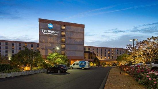 Best Western Royal Plaza Hotel & Trade Center: Exterior