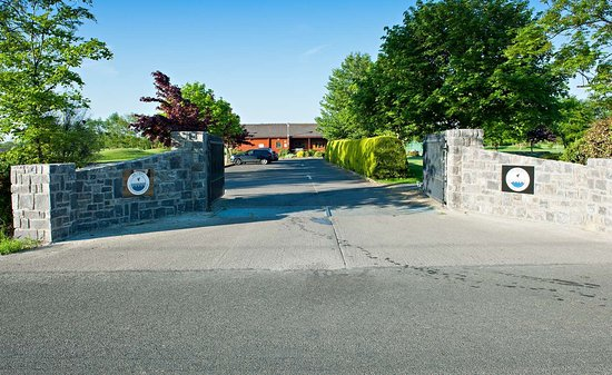 Roganstown Hotel and Country Club: Roganstown Hotel Country Club entrance