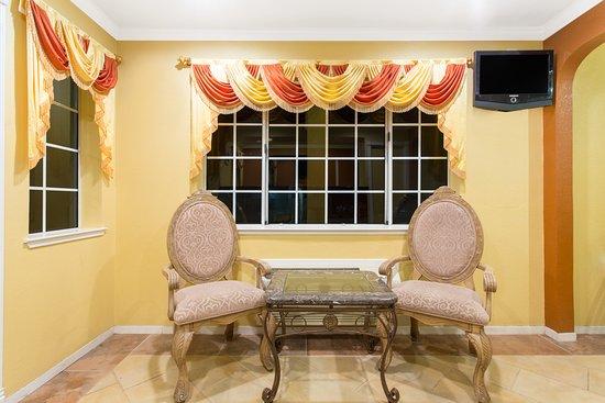Upper Lake, Californien: Lobby - Sitting Area