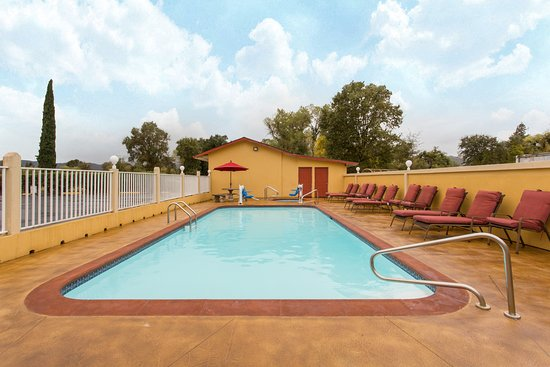 Upper Lake, Californien: Outdoor Seasonal Pool
