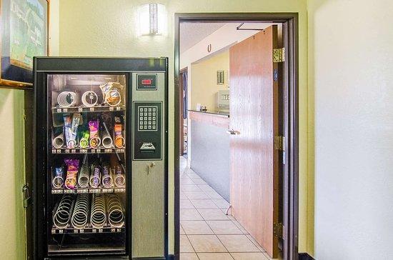 Montoursville, PA: vending
