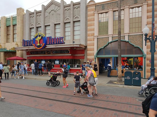 Disney California Adventure Park: Main Street!