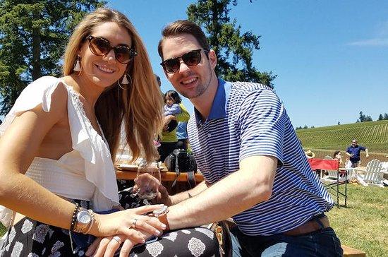 Oregon Wine Tour & Picnic for 2