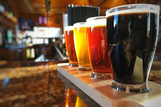 Norfolk Lodge & Suites Ascend Collection: Flight of Divots handcrafted beers