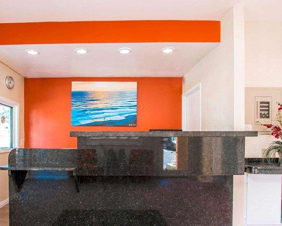 Rodeway Inn - Encinitas: Front desk