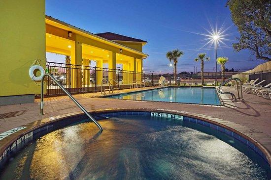 Boutte, LA: Pool view