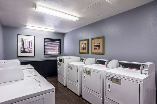 Motel 6 Atlanta Northwest - Marietta: laundry
