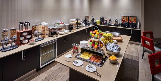Best Western Plus Waterfront Hotel: Breakfast Bar