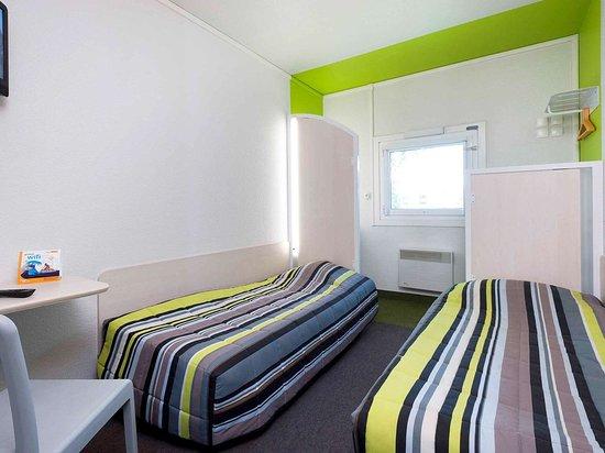 hotelf1 angers ouest beaucouze hotel beaucouz voir les tarifs et 34 avis tripadvisor. Black Bedroom Furniture Sets. Home Design Ideas