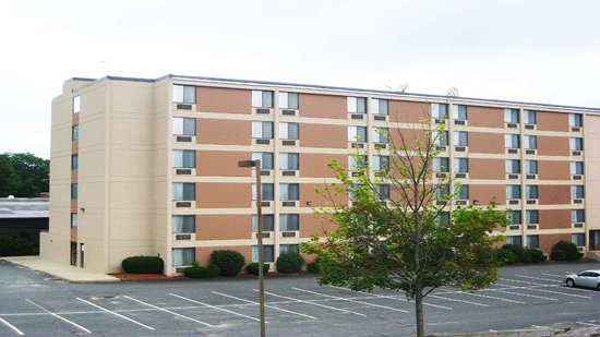 Magnuson Hotel Framingham  72    U03361 U03360 U03365 U0336