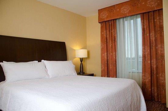 홀리데이 인 익스프레스 호텔 앤드 스위트 워터타운-사우전드아일랜드