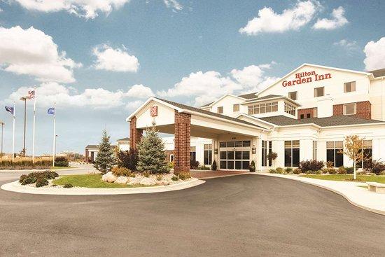 Hilton Garden Inn Fargo: Exterior