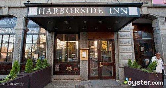 Harborside Inn : Exterior